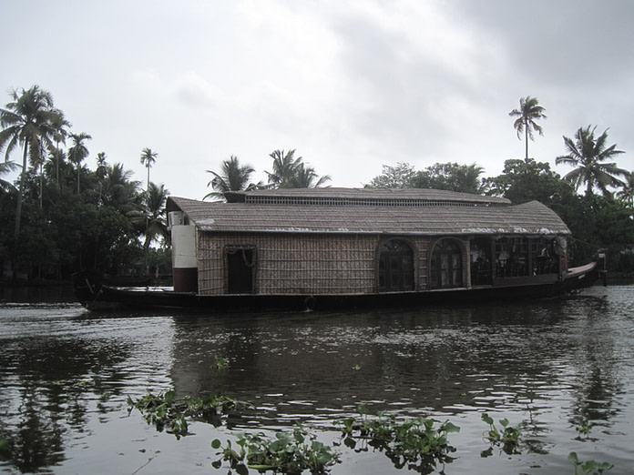 Houseboat for night stay